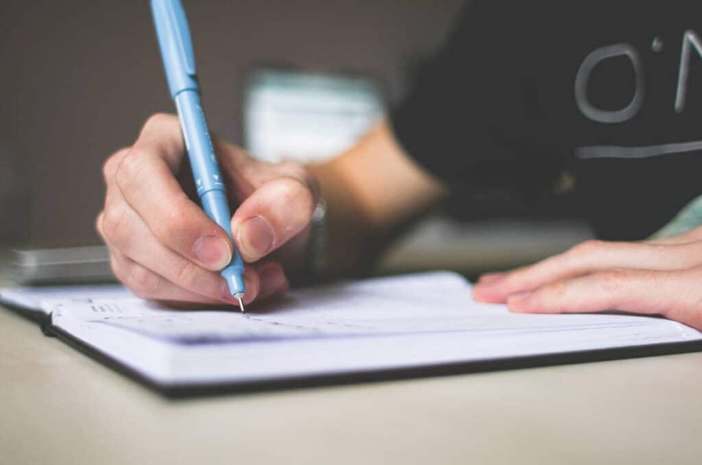 Pisanie w notatniku/zeszycie